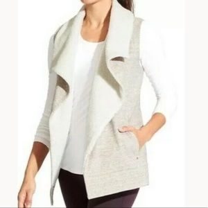 Athleta faux shearling open front vest Medium